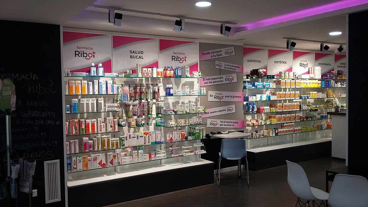 Interior Farmacia Ribot 5
