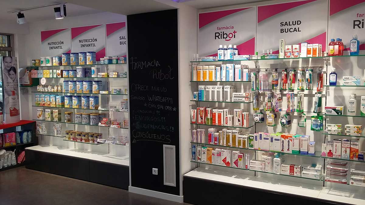 Interior Farmacia Ribot 6