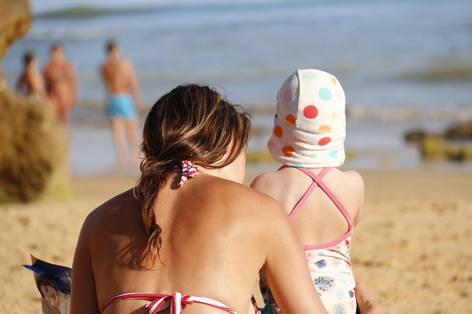 Foto familia en la playa